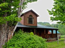 The Country Cottage Cabin at High Mountain Creekside Cabins